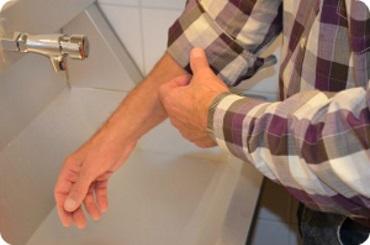 podwinięcie rękawów